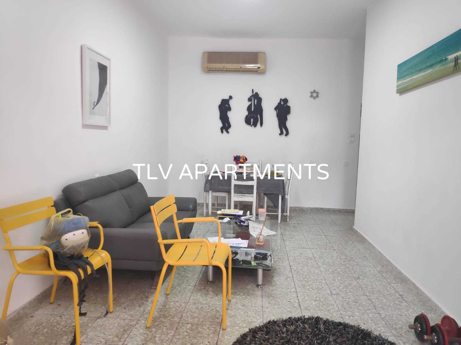 Apartment with 2 separate entrances