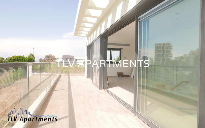 Roof apartment with 2 floors