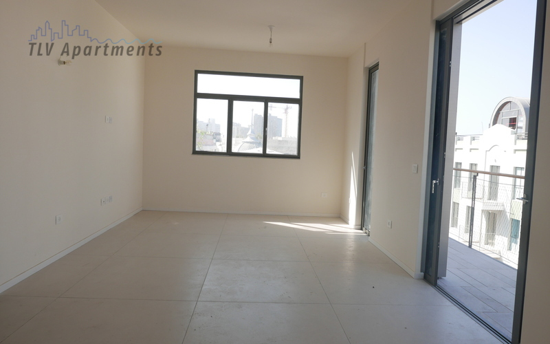 Spacious and lighted 3 room apartment