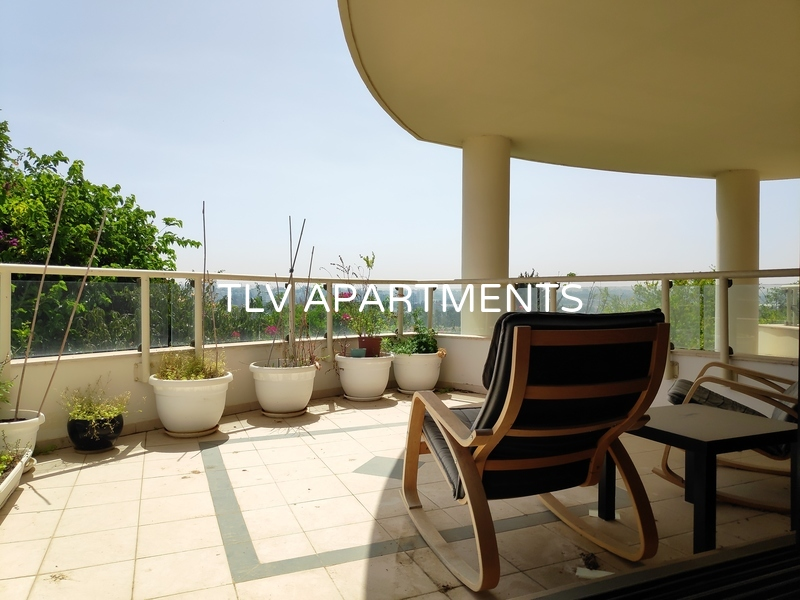 Beautiful apartment in a well maintained building