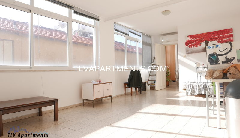 Lighted Apartment Suitable For Roommates