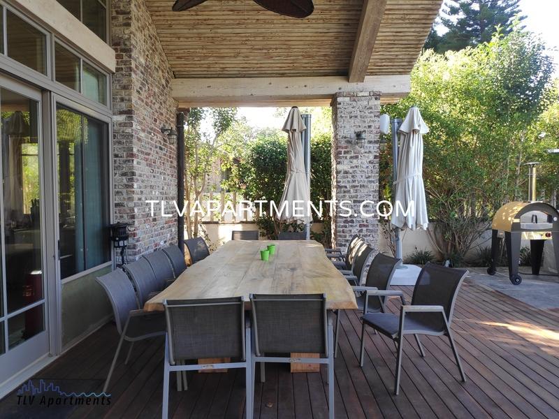specious and modern house in Kfar Shmaryahu