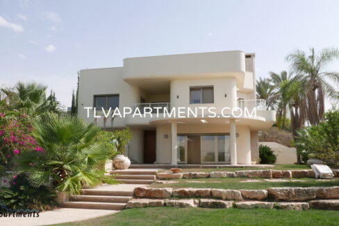 Villa in Herzliya Pituach with sea view