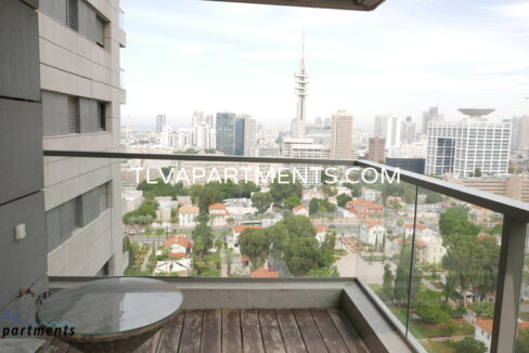 Beautiful Apartment in Sarona Towers