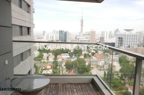 Beautiful Apartment in Sarona Towers