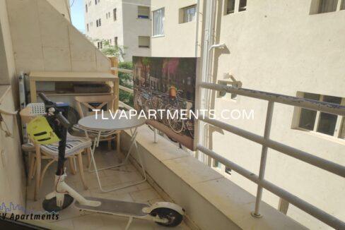 Apartment near Geula Beach