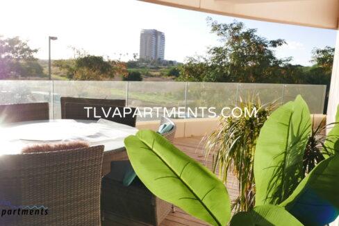 Beautiful spacious Apartment in a prestigious compound