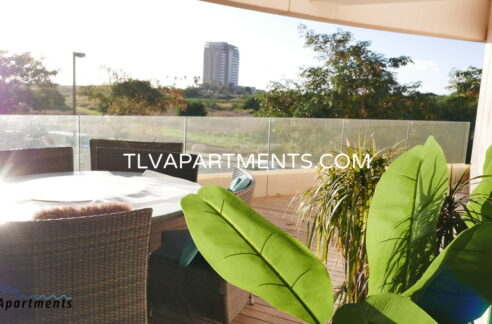 Beautiful spacious Apartment in a prestigious compound