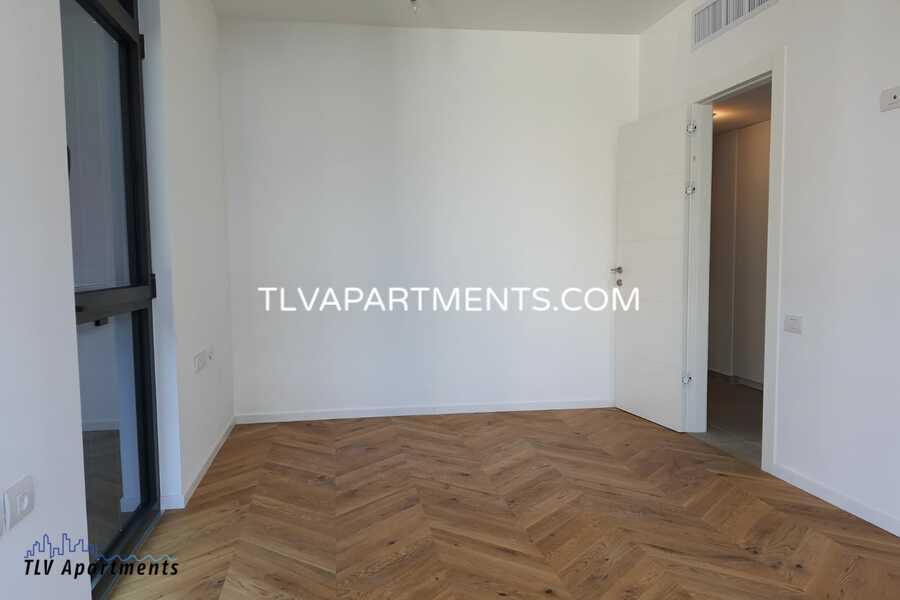 Apartment in a new building near Geula Beach