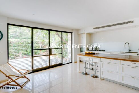 Beautiful spacious and very lighted villa