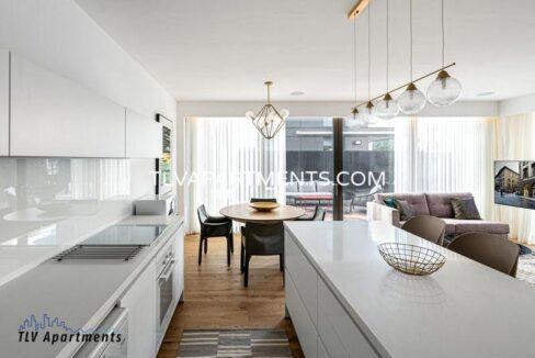 New beautiful apartment near the beach