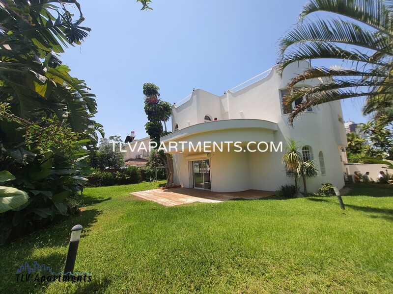 Bright and spacious villa in a quiet area